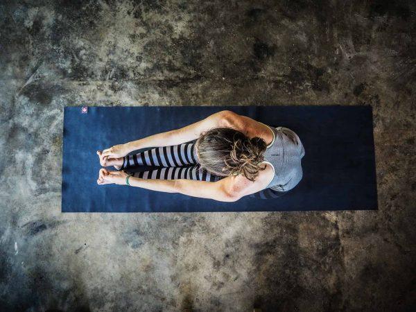 Mehr als eine Matte und dein eigenes Körpergewicht brauchst du für den Anfang nicht. (Foto: michellekutzner / pixabay.com)