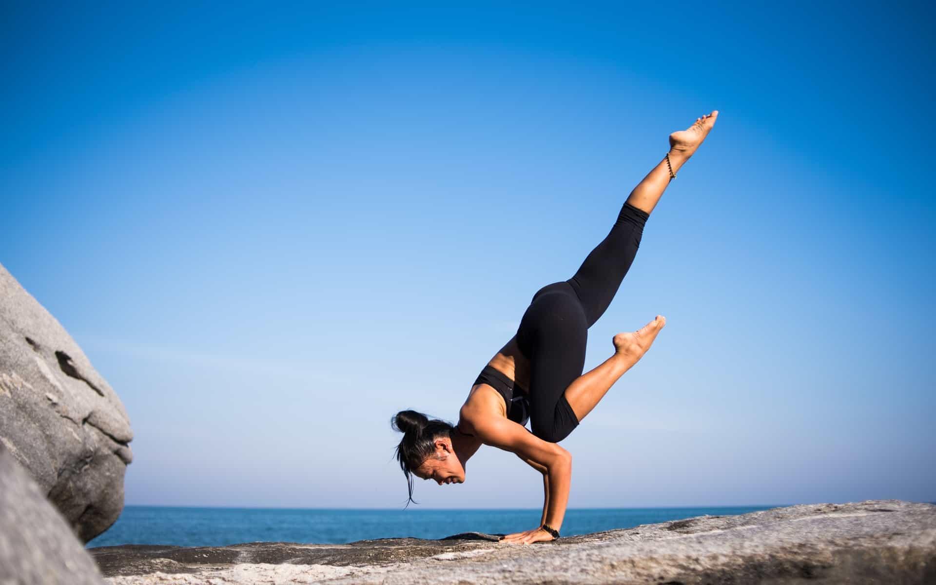 Frau man Sportübungen