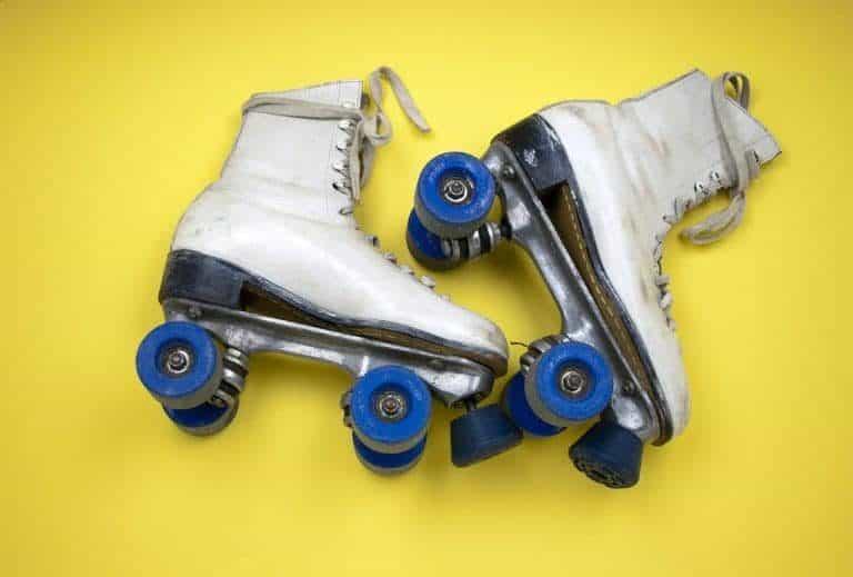 Retro Rollschuhe gebraucht blau-weiß