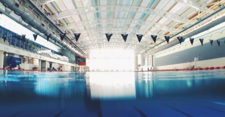 Leeres Schwimmbad