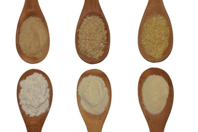 Mehlsorten auf Holzlöffel