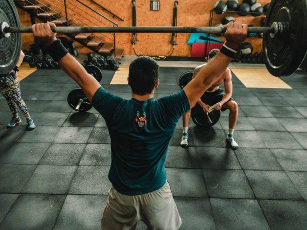 Fitnesstrainer Gehalt: Das verdienst du als Fitnesstrainer (2020)