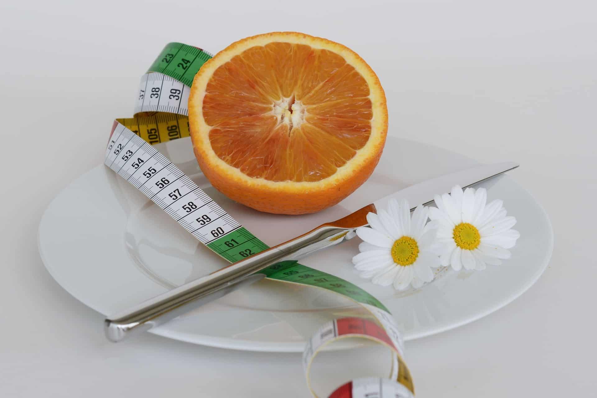 Wie berechne ich, wie viele Kalorien ich brauche, um Gewicht zu verlieren?