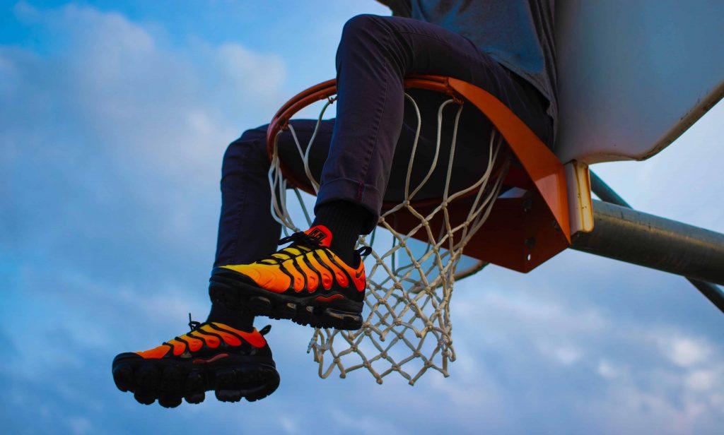 Männer Basketball Schuhe High Top Dämpfung Licht Anti Skid