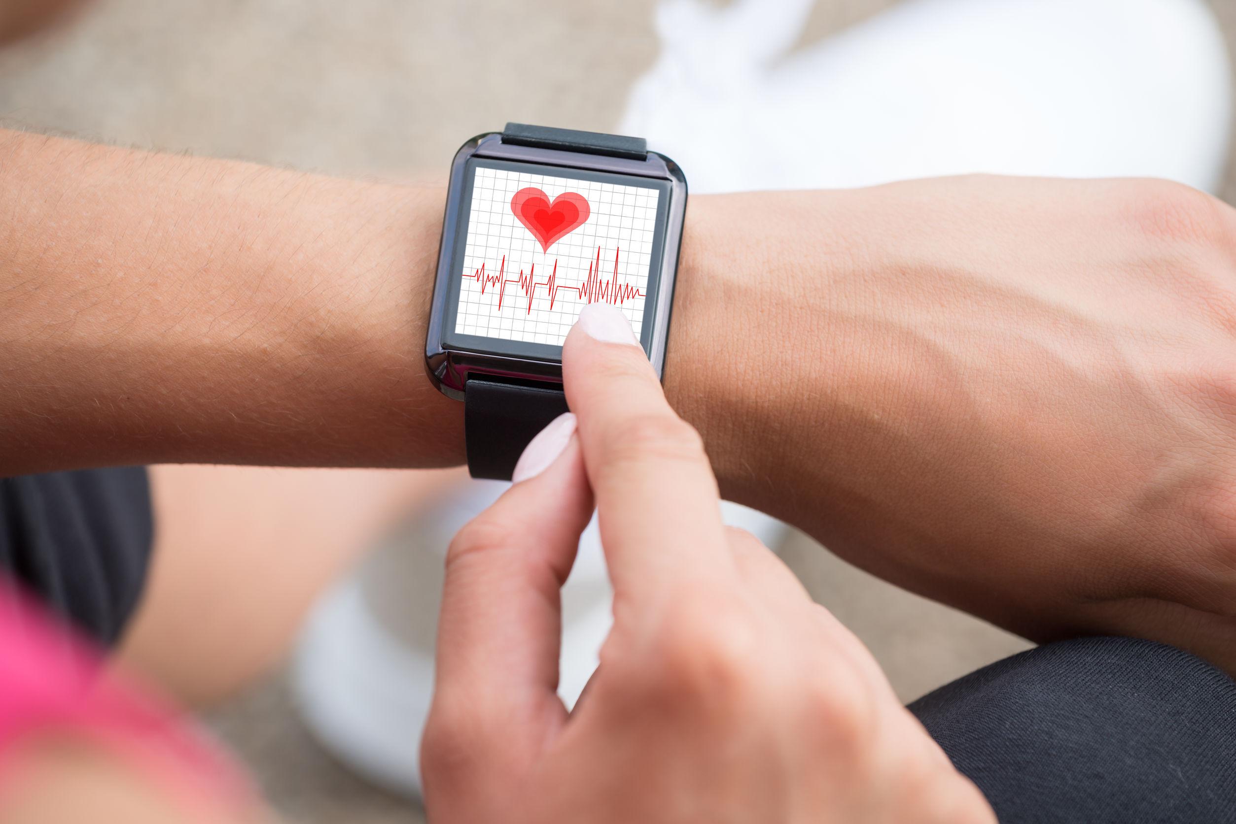Fitness tracker mit Pulsmesser