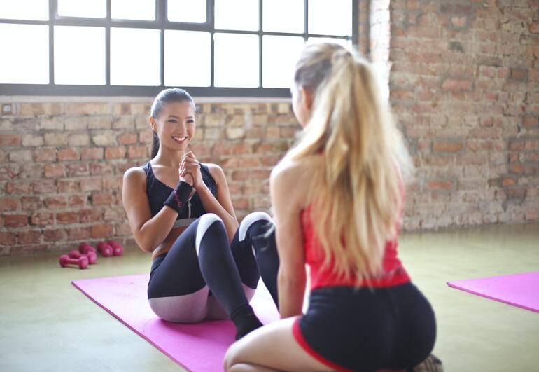 Bauchmuskeln trainieren Übungen